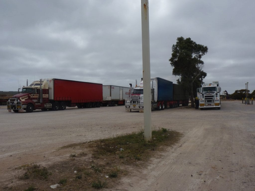 Australian Roadtrains, Border Village South Australia