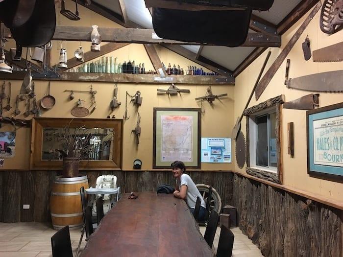 Shindy's Inn Louth NSW