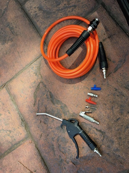 These accessories are supplied as part of the ARB compressor portable kit.