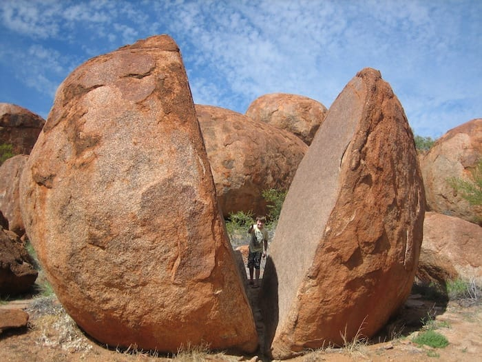 Slicing a boulder in half with one chop! Devils Marbles.