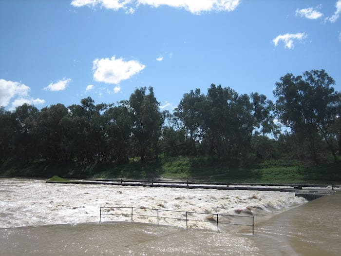 Bourke Weir and lock, overflowing.